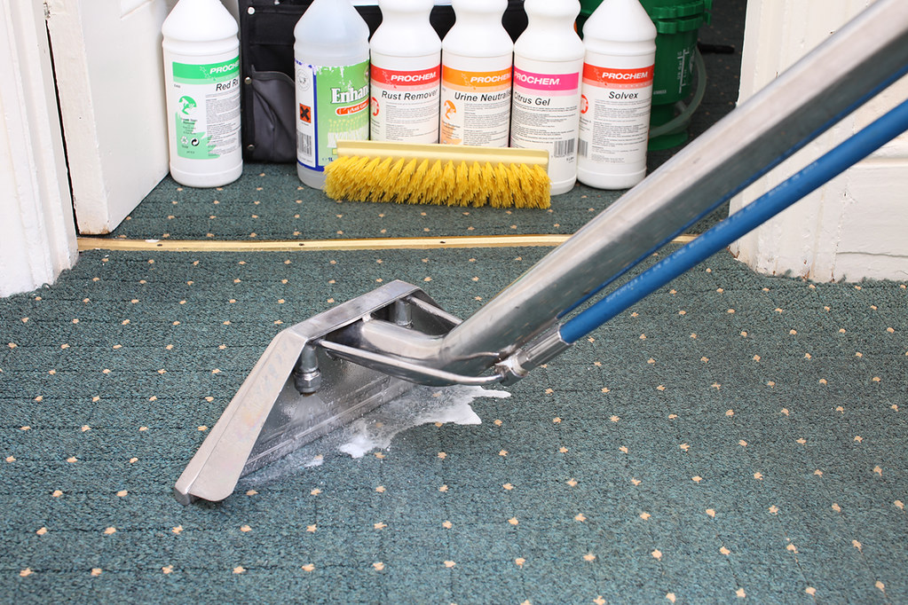 Carpet Cleaning Companies in New Chum - How Do You Find Good Carpet Cleaners?